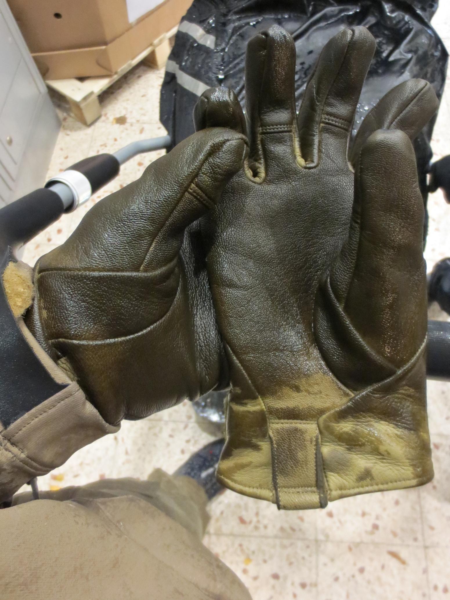Arc Teryx Drac Jacket Amp Tactician Ar Glove In The Rain