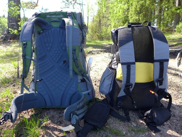 Kumo is a frameless pack so he puts his Therm-a-Rest X-lite pad as a frame.