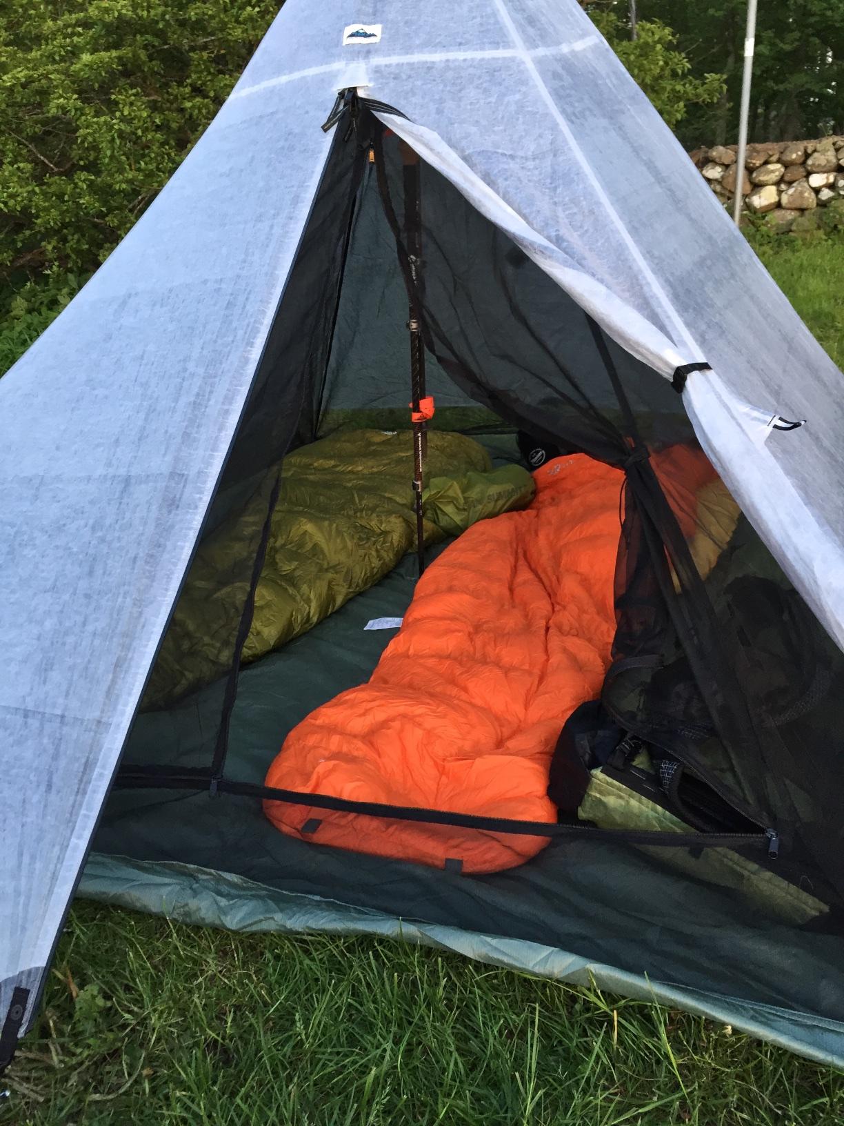Bearpawwd PyraNet 2 inside my HMG UltaMid 2 tent. & tent | Lighter Packs | Page 2